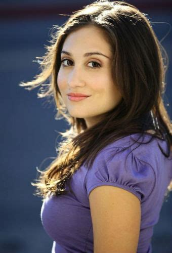 Lucy DeVito Age, Height, Net worth, Biography, Father