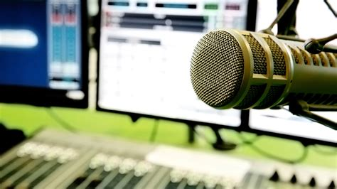 10 Internet Radio Stations You Should Be Listening To
